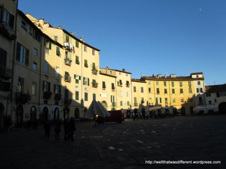 The Piazza dell'Anfiteatro is circular because it is built on the foundations of a Roman ampitheater.