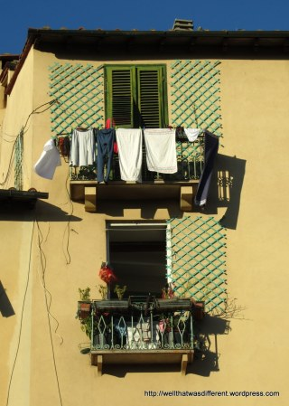 Beautiful Tuscan afternoon sun in the Piazza dell'Anfiteatro.