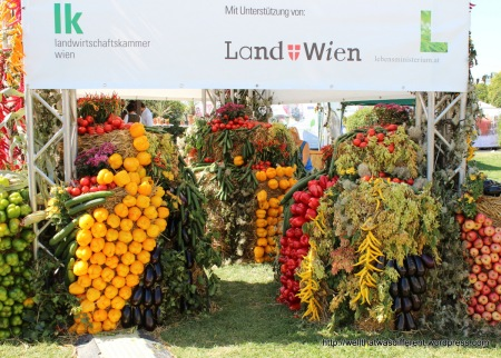 Very impressive vegetable sculpture.