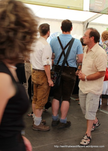 And this, gentlemen, is how to fill out those lederhosen :)