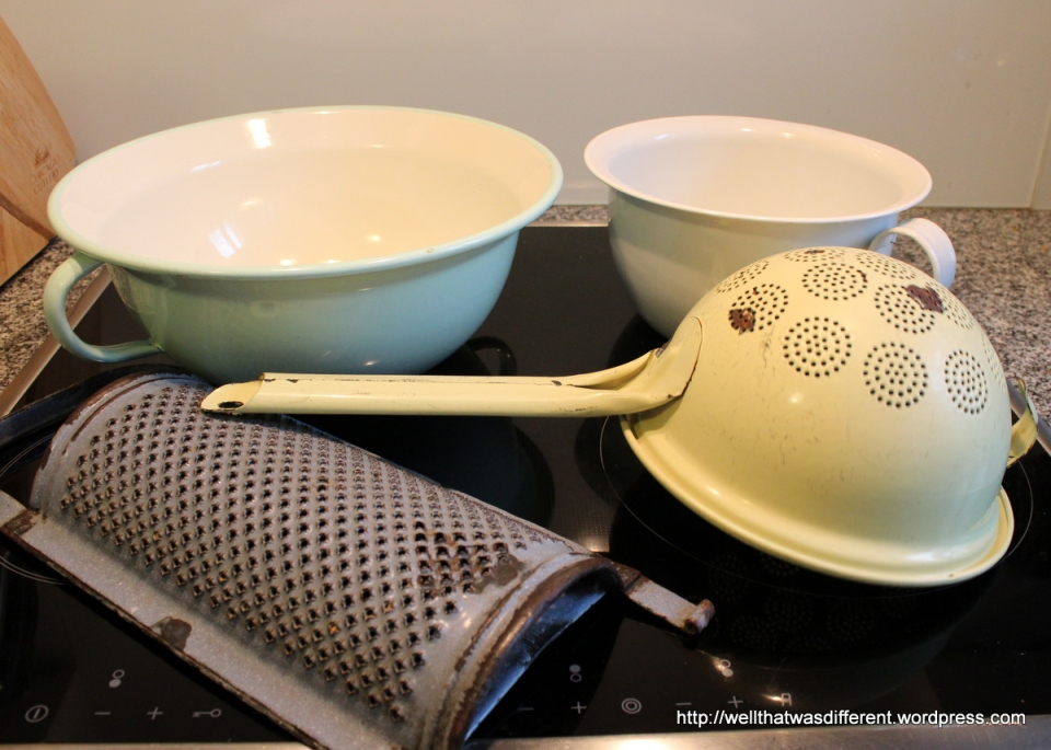 A big Riess bowl, and some vintage stuff I bought just for decoration.  (I have an idea that sturdy grater would make a neat wall lamp for my future screen porch...)