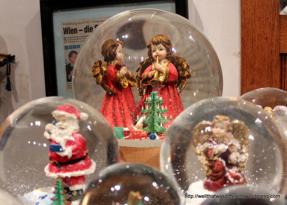 Pretty Christmas globes.