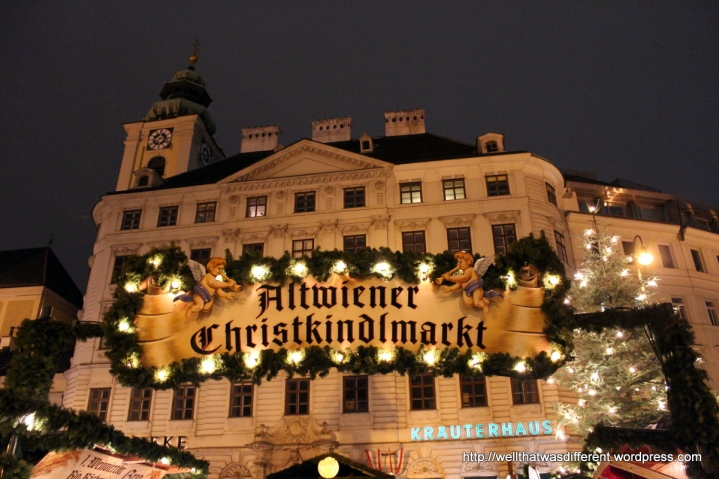 The small Advent market in the Freyung is very close to our apartment.