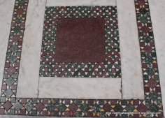 Clearly an applique pattern with a Sawtooth border, San Crisogono