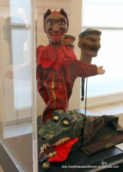 Socialist puppets (no, really)