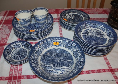 This really nice batch of British Anchor ironstone, which coordinates with the Blue Onion china I've been picking up here and there. Now I have enough china for a big family dinner!