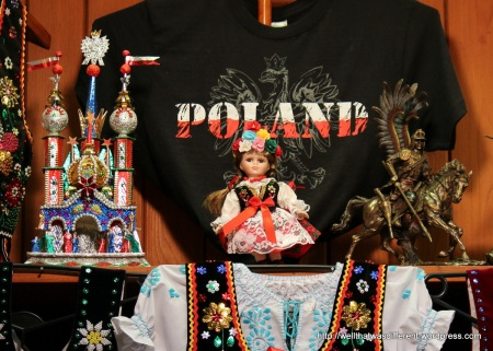 The Hall is filled with kiosks selling a colorful collection of souvenirs.
