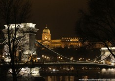 Night shot over the Danube.