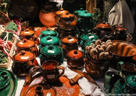 At the market: Hungarian pottery.