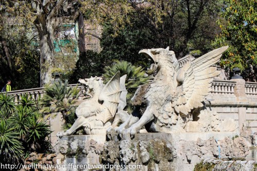 Griffins on the fountain.