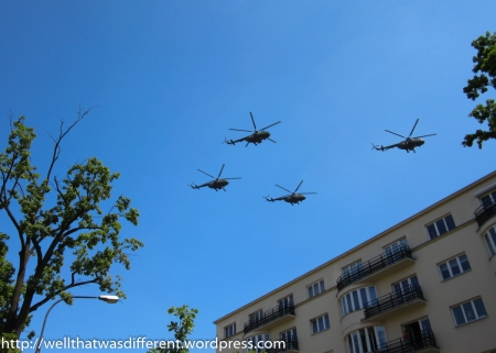 Military helicopters (don't ask me what kind!)