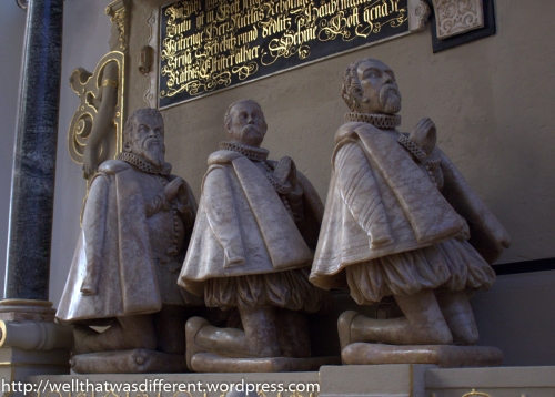 16th century sculptures in a church look a bit dwarfish to me. What do you think>