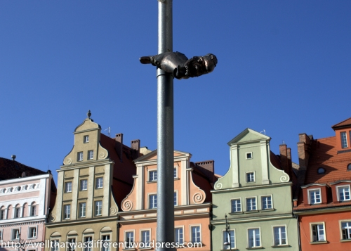 Słupniki Solne or pole dwarf, in the Salt Square.
