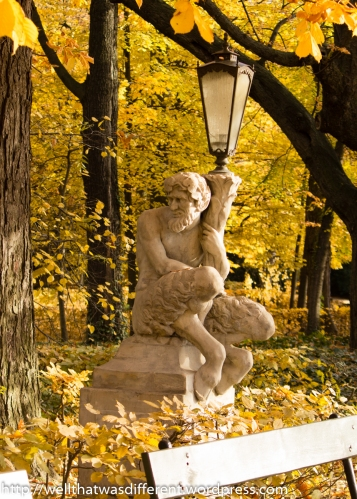 Bacchus lamp near the Palace.