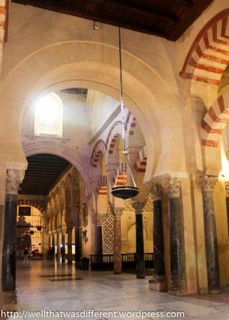 The interior of the Gran Mezquita.