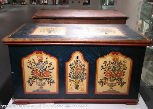 Hand-painted furniture. (I WILL buy a trunk like this before we leave Poland.)