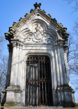 There are many family vaults in the cemetery.